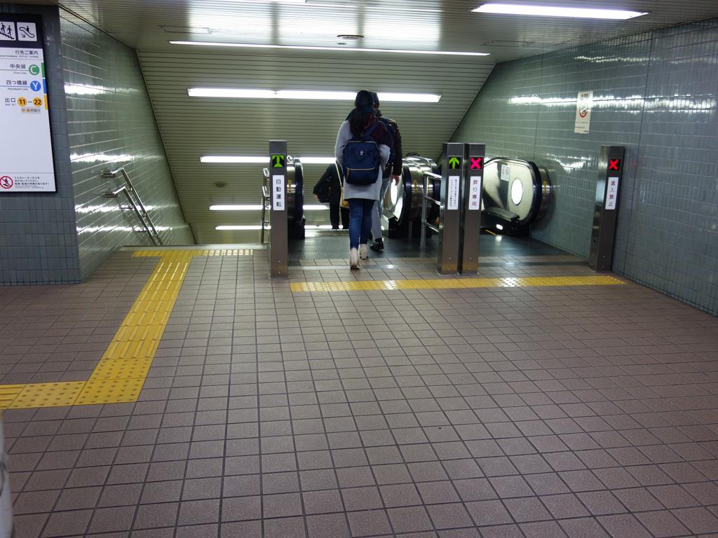本町駅 エスカレーター