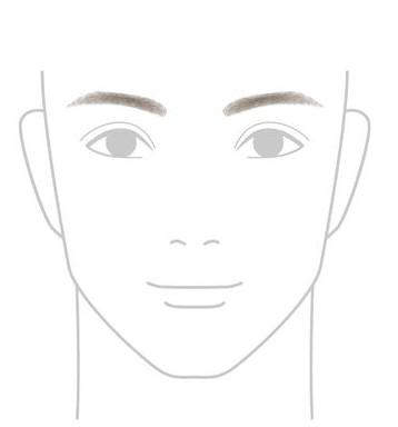 細めの濃い眉毛