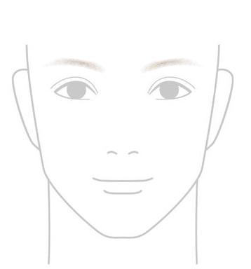 細めの薄い眉毛