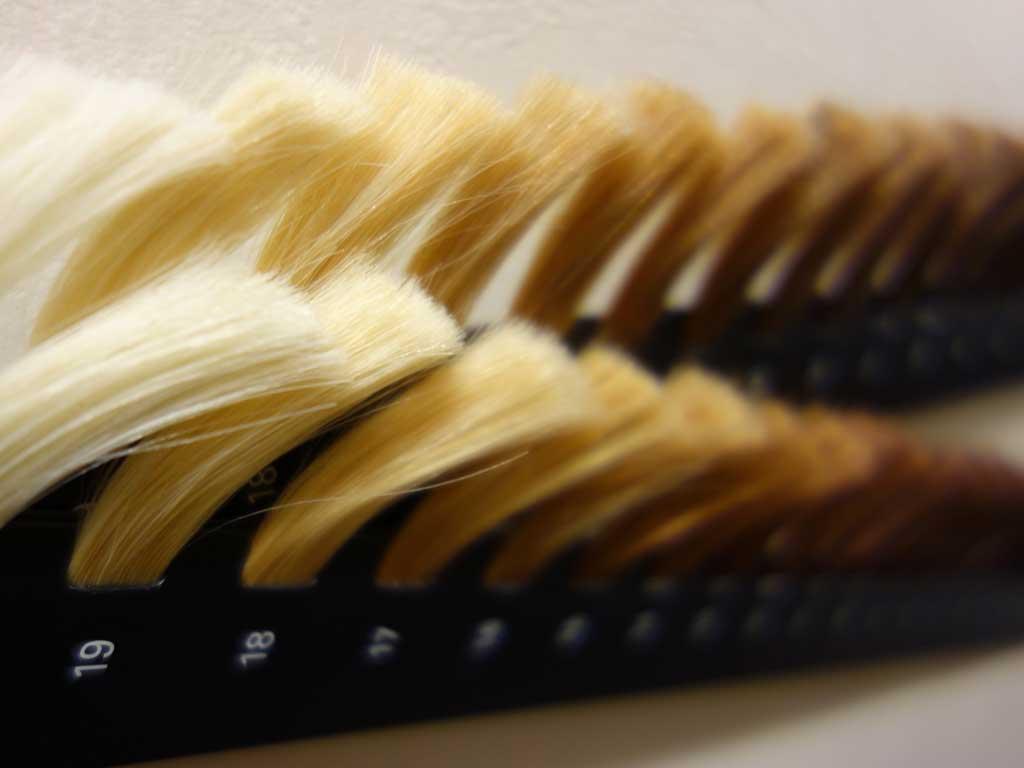 白髪をケアして清潔感UP